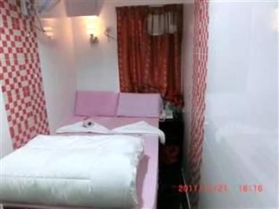 New London Hostel 2
