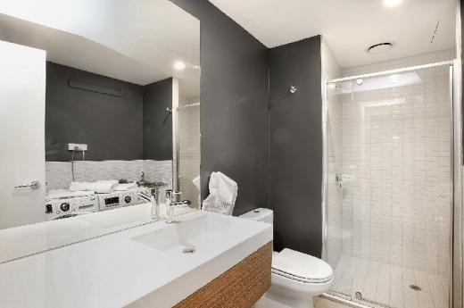 All on Flinders - 2 bed apartment Melbourne CBD