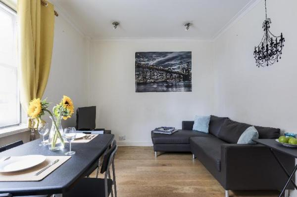 Bright 3BR Flat in the Very Centre of London London