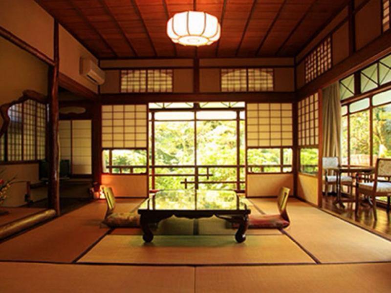 Kasuga Ryokan Hotel - room photo 8576105