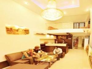 호텔 아카알 레지덴시  (Hotel Akaal Residency)