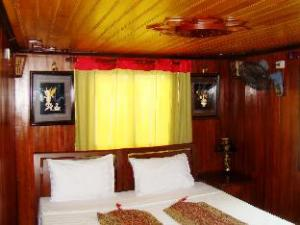 Bien Ngoc (Pearly Sea) Cruise Halong