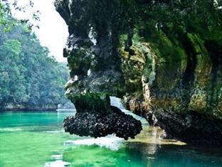 picture 5 of Hidden Island Resort