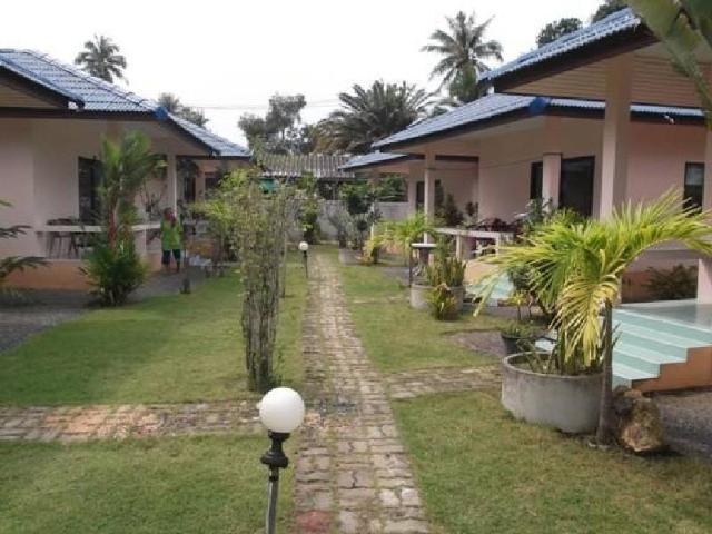 บ้านเกื้อสกุล รีสอร์ท – Baan Kuasakul Resort