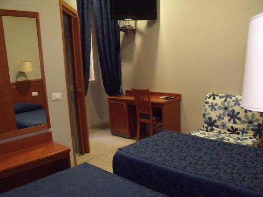 Domus Roxy Guest House