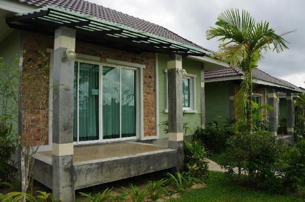 Baan Rom Pruk Phuket