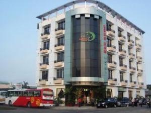 關於東南飯店 (Dong Nam Hotel)