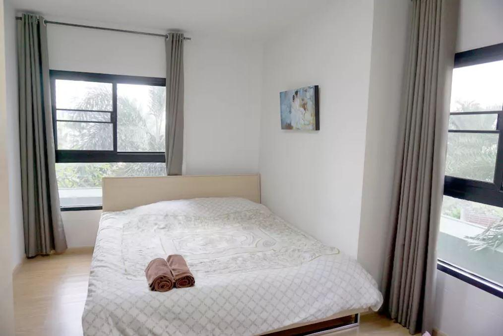 Review 2BR, 70sqm Very Cheap, So Center, So Clean 9th fl