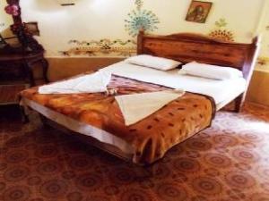 Hotel Surja