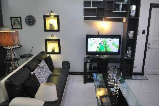 picture 3 of B201 Hillcrest Condo Family Room