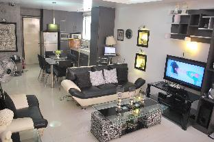 picture 4 of B201 Hillcrest Condo Family Room