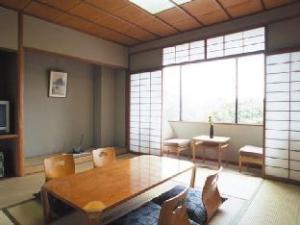 Gosho Nishi Kyoto Heian Hotel