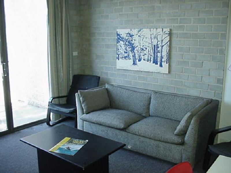 Review Tanderra 4 Private Holiday Apartment
