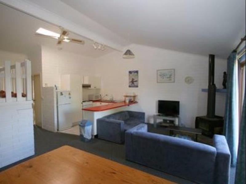 Reviews Alpha Centauri 8 - Budget Jindabyne Holiday Apartment