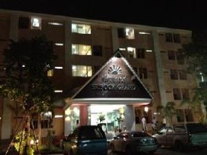 Srisook Grand Hotel