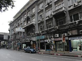 Trocadero Hotel Bangkok โรงแรมโทรคาเดโร บางกอก