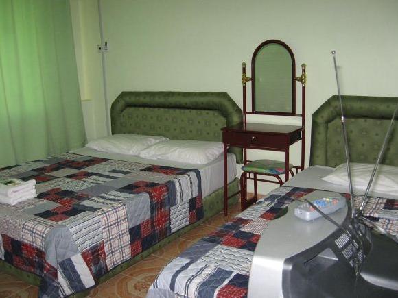 Tambunan Inn