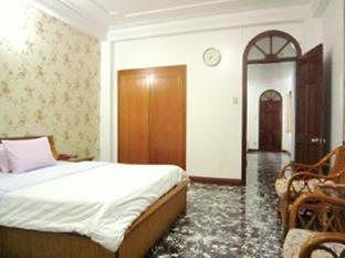 Khách sạn Bầu Trời Xanh