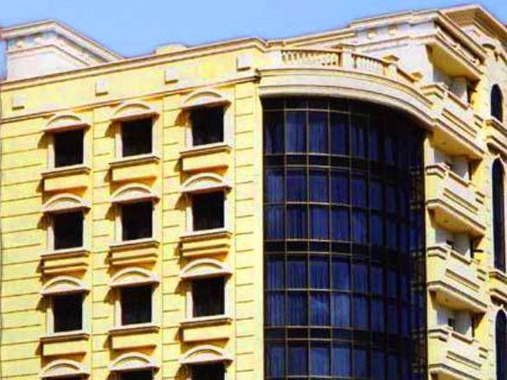 Gold Leaf Hotel & Bar