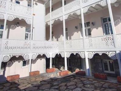 Kar's Hotel