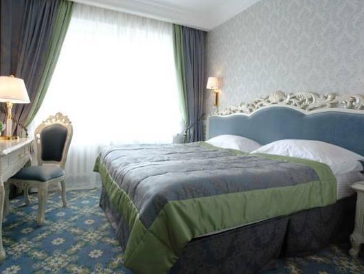 Royal Olympic Hotel