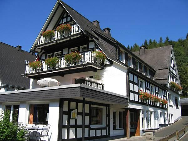 Pension And Ferienhaus Latropchen