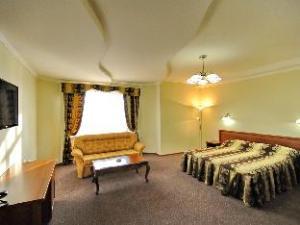 马尔蒂尼酒店 (Maldini Hotel)