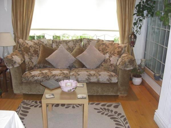Lorcan Lodge Bed And Breakfast
