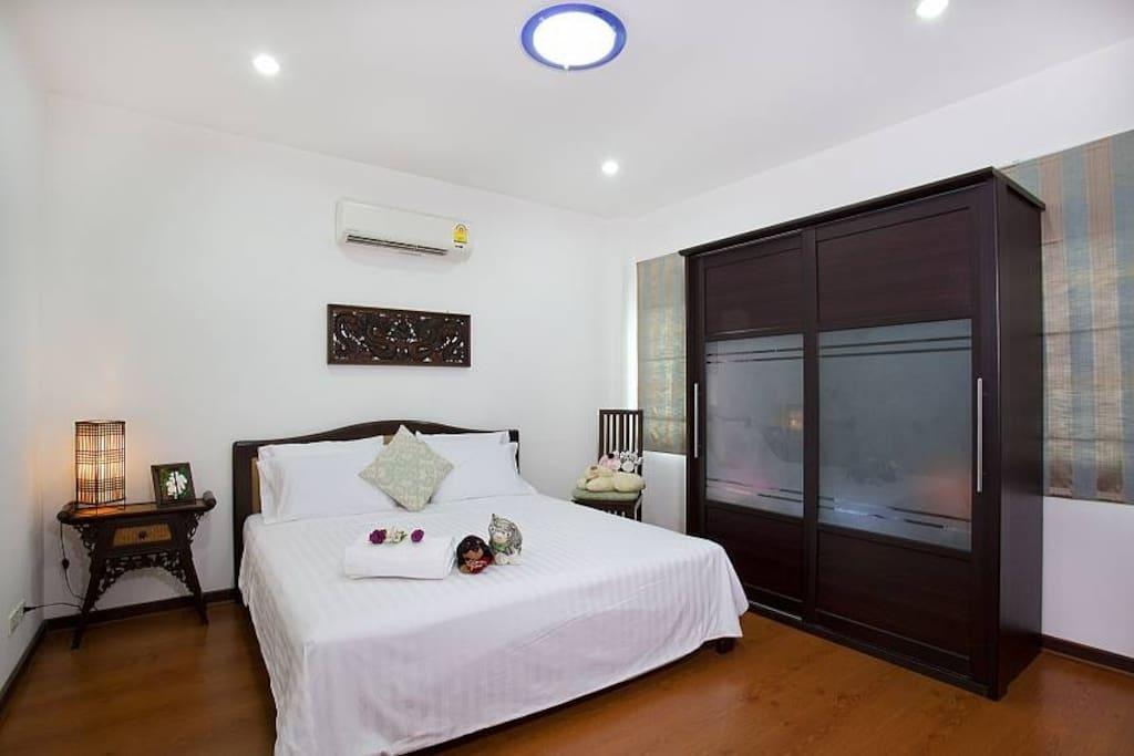 Lanna  Villa 6 + 2 Bed Sleeps 15 in Chiang Mai Reviews
