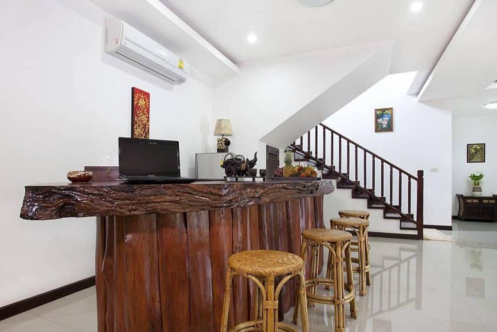 Price Lanna  Villa 6 + 2 Bed Sleeps 15 in Chiang Mai