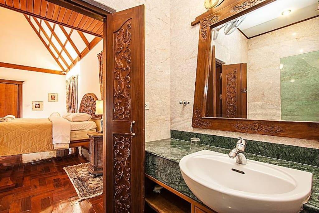 The traditional Thai  5 Bedroom  Private Pool Reviews