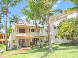 Los Corales Villas & Apartments