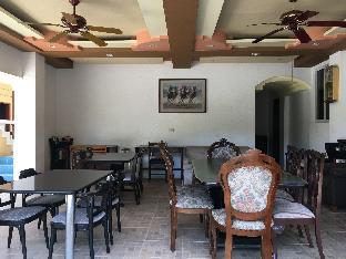 picture 5 of Cecilia's Inn