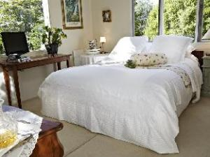 Bed of Roses Lodge