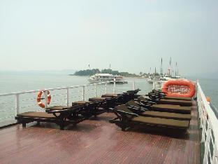 Garden Bay Premium Cruise