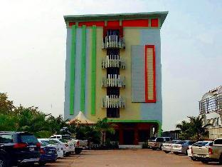 ナカラ モントラ ホテル Nakara Montra Hotel