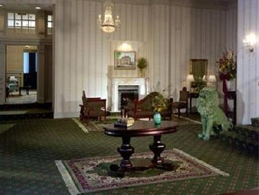 Grand Royale Hotel