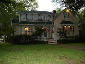 Historic 1859 Woldert Spence Manor Bed And Breakfast