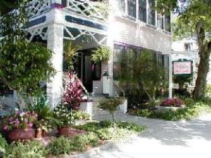 The Old Powder House Inn Bed And Breakfast