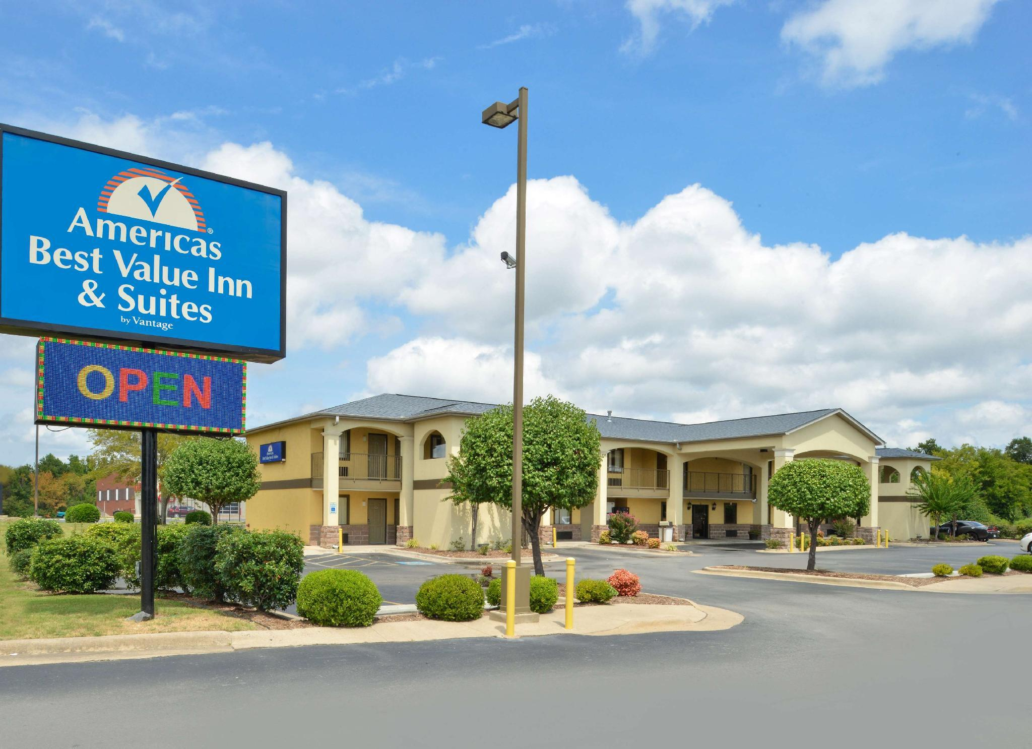 Americas Best Value Inn And Suites University Ave