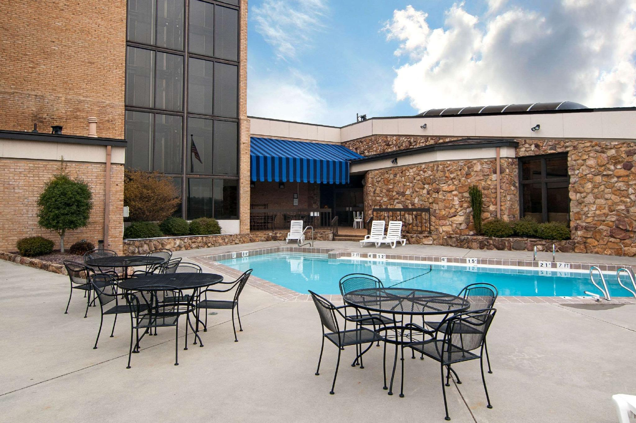Comfort Inn And Suites Near Danville Mall