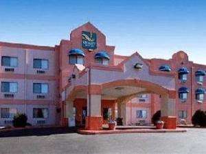 クオリティ スイーツ アルバカーキ サンアントニオ ホテル (Quality Suites Albuquerque San Antonio Hotel)
