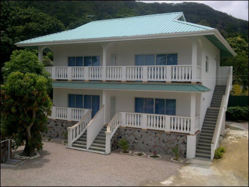 Divers Lodge Guest House