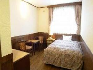 Hotel Rakuchin