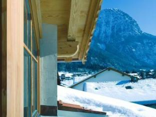 Фото отеля AlpinLodges Oetz