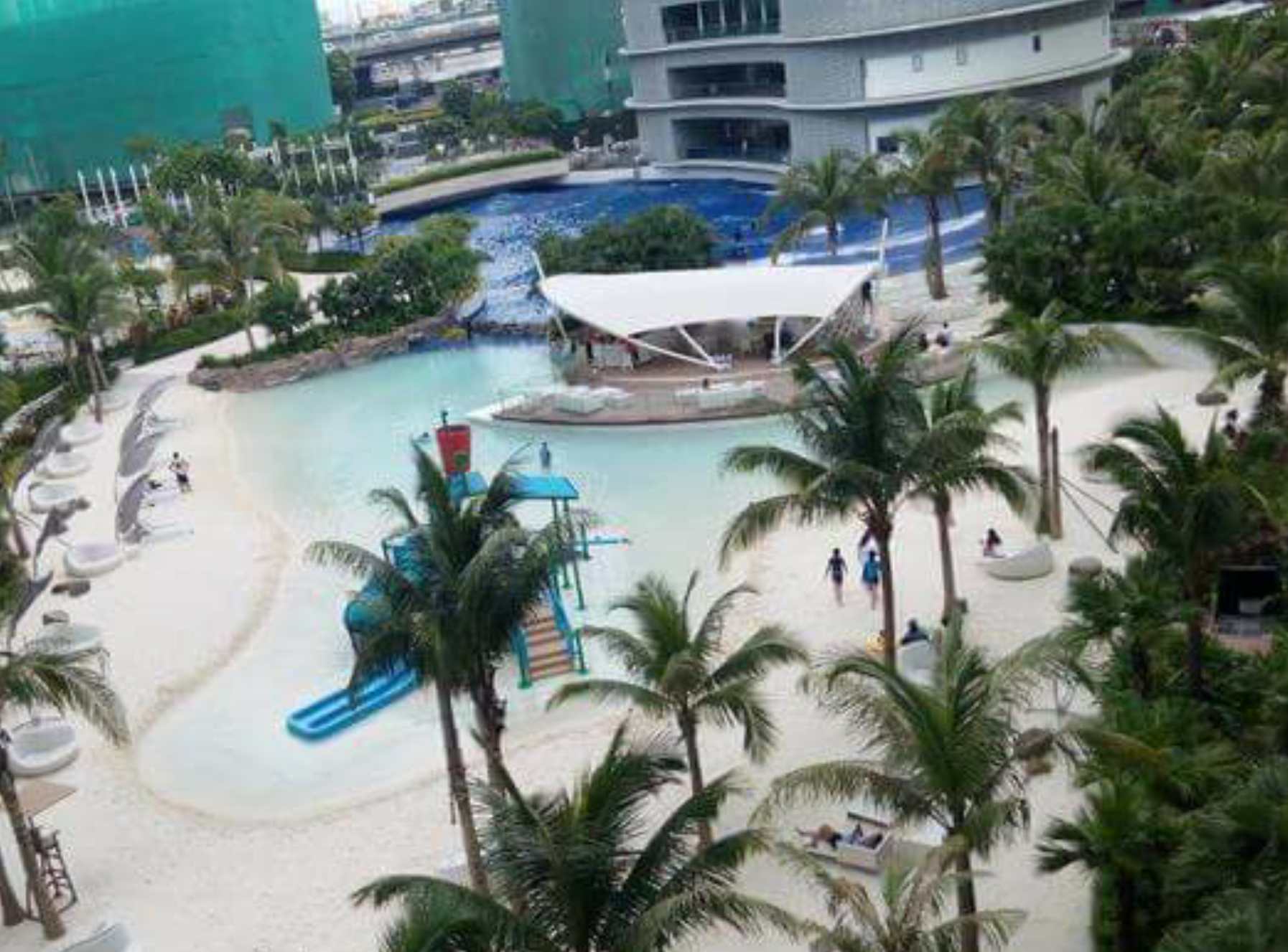 Condo Apartment In Azure Urban Resort