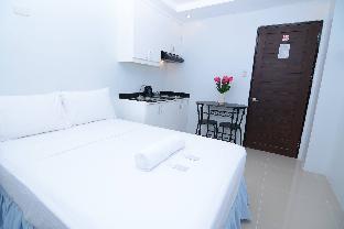 picture 2 of Obrero Suites