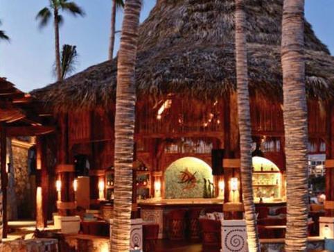 Review Hacienda Beach Club & Residences