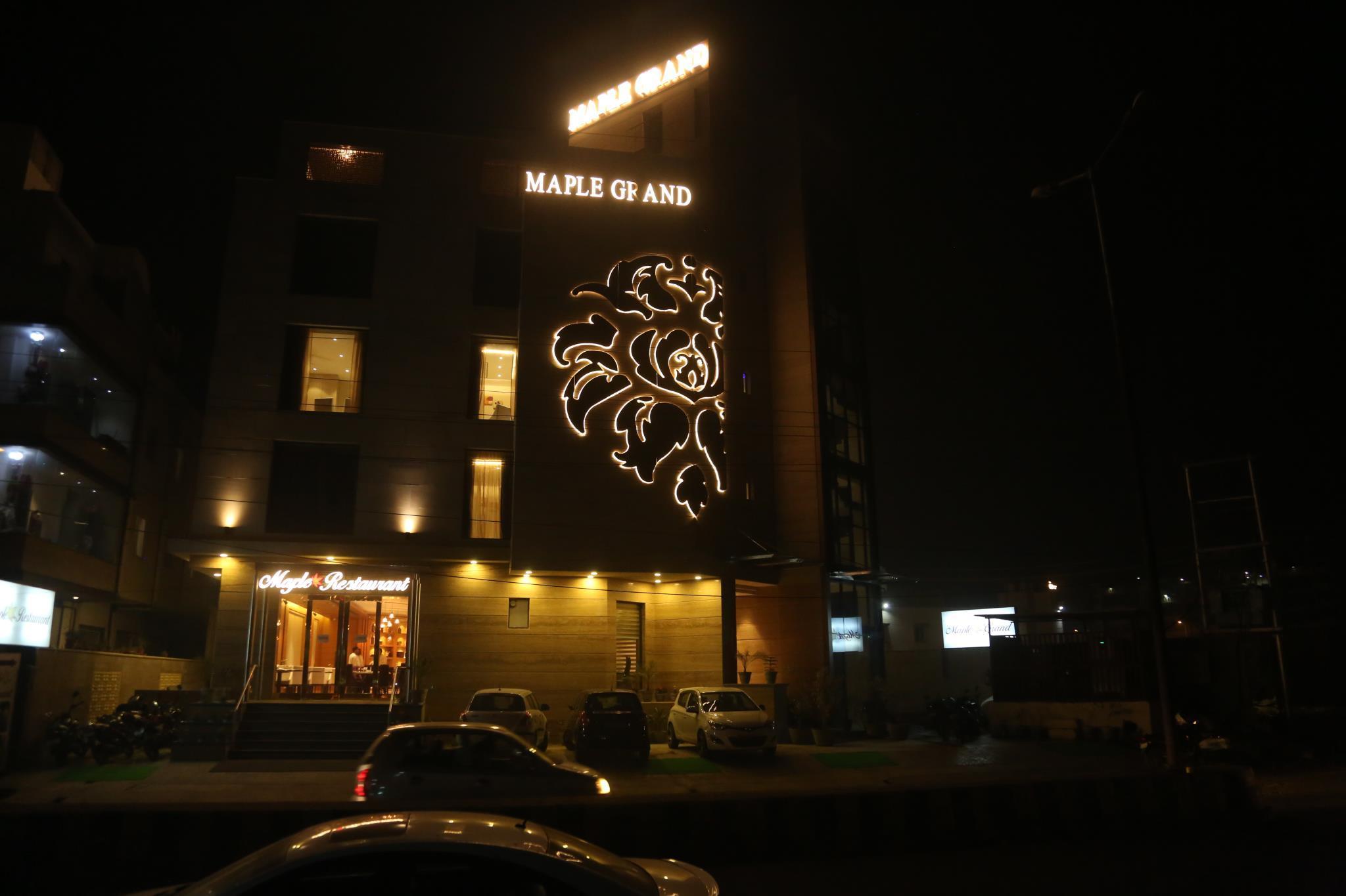 Hotel Maple Grand