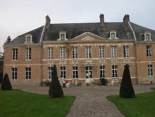 Chateau De Yaucourt Bussus